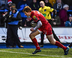 Scarlets' Rhys Patchell crosses to score a try - Mandatory by-line: Craig Thomas/Replay images - 31/12/2017 - RUGBY - Cardiff Arms Park - Cardiff , Wales - Blues v Scarlets - Guinness Pro 14