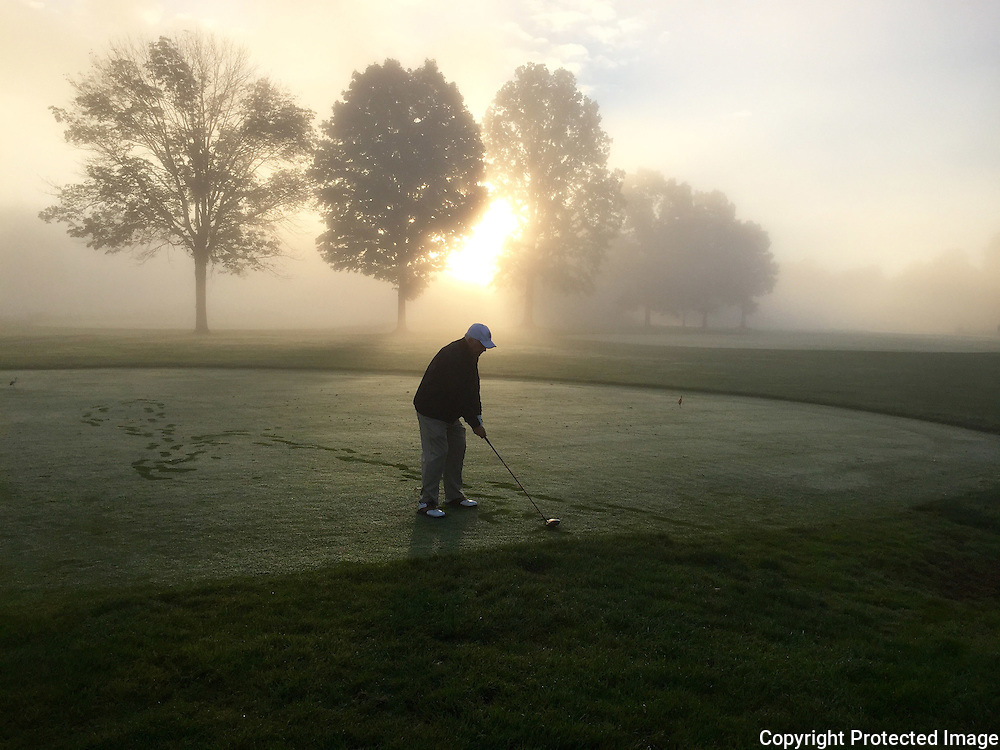 Early morning golf at Fowlers Mill golf course in Ohio