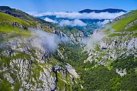 France, Pyrénées-Atlantiques (64), pays basque, Haute-Soule, Sainte-Engrâce, les gorges d'Ehujarre  // France, Pyrénées-Atlantiques (64), Basque country, Haute-Soule, Sainte-Engr Grâce, the Ehujarre gorges