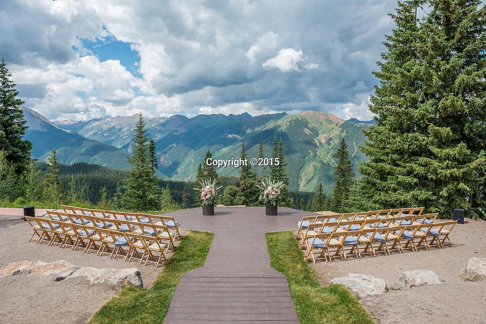 Creative wedding photographers in Aspen, Colorado whose wedding photography captures your unique style.