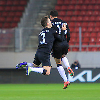 PIRAEUS, GREECE - FEBRUARY 25: Diogo Gonçalves of SL Benfica celebrates his goal with Alejandro Grimaldo of SL Benfica during the UEFA Europa League Round of 32 match between Arsenal FC and SL Benfica at Karaiskakis Stadium on February 25, 2021 in Piraeus, Greece. (Photo by MB Media)