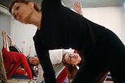 Milano, festival dello yoga al superstudio , lezione di Ashtanga Vinyasa Yoga.......Milan, yoga festival,Ashtanga Vinyasa Yoga lesson, breath dance. teacher Lino Miele