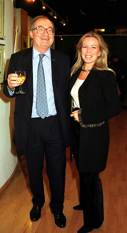COUNT & COUNTESS GIOVANNI EMO CAPODILISTA, at an exhibition in London on 8th November 1999.MYR 11