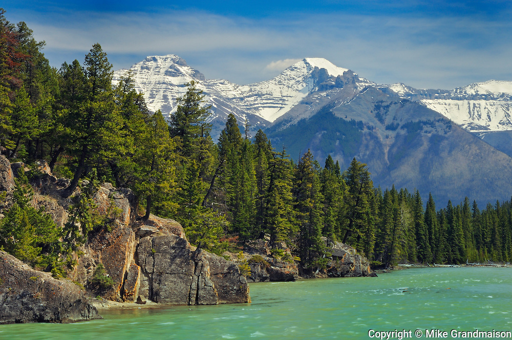 Bow River and Rocky Mountains<br /> Banff NAtional PArk<br /> Alberta<br /> Canada
