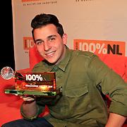 NLD/Hilversum/20130109 - Uitreiking 100% NL Awards 2012, Nielson met zijn Award voor 'Nieuwkomer van het Jaar'