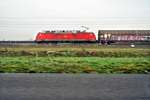 Nederland, Andelst, 11-1-2018Een goederentrein rijdt over de betuweroute. Foto: Flip Franssen