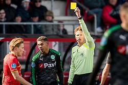 (L-R) Juninho Bacuna of FC Groningen, referee Martin van den Kerkhof during the Dutch Eredivisie match between AZ Alkmaar and FC Groningen at AFAS stadium on March 18, 2018 in Alkmaar, The Netherlands