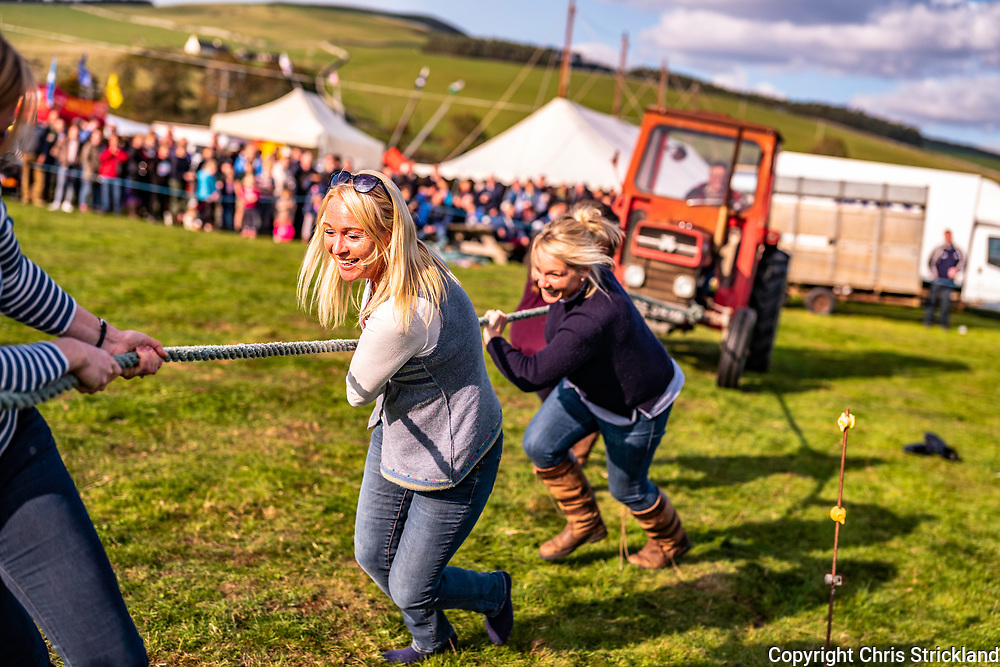 Yetholm, Kelso, Scottish Borders, UK. 6th October 2018.  The Tractor Pulling Competition at the Yetholm Shepherds Show near the Anglo Scottish Border.