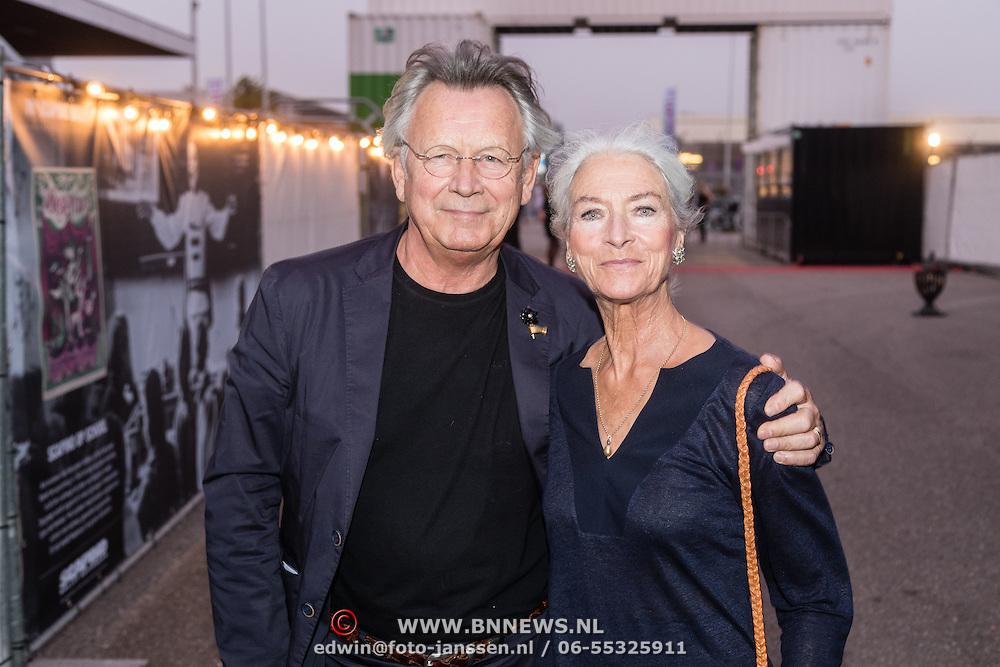 NLD/Rotterdam/20160915 - première Scapino Ballet jubileumvoorstelling TING!, Han Ebbelaar en partner Alexandra Radius