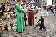 Nederland, Nijmegen, 26-8-2018De Blijde Incomste, Gebroeders van Limburg festival . In de late Middeleeuwen was Nijmegen met de Valkhofburcht de belangrijkste stad in hertogdom Gelre. De drie rond 1380 in Nijmegen geboren gebroeders van Limburg waren beroemde tekenaars en kopiisten die vooral aan het franse hof furore maakten. Met het Gebroeders van Limburgfestival eert de stad hen. Het festival is geinspireerd op de miniaturen die zij maakten, waarbij figuranten het dagelijks leven naspelen. Zondag is de dag van de Blijde incomste waarbij een lange stoet door de binenstad loopt. Les Belles HeuresFoto: Flip Franssen