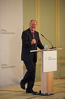 DEU, Deutschland, Germany, Berlin, 07.06.2013:<br />Tag des Deutschen Familienunternehmens im Hotel Adlon. Ein gut aufgelegter Kanzlerkandidat Peer Steinbrück (SPD) freut sich und lacht während seiner Rede.