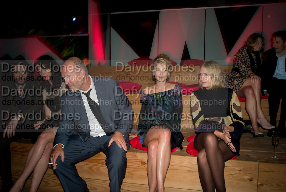 SIMON OAKES; ROSAMUND PIKE, The Summer Party. Hosted by the Serpentine Gallery and CCC Moscow. Serpentine Gallery Pavilion designed by Frank Gehry. Kensington Gdns. London. 9 September 2008.  *** Local Caption *** -DO NOT ARCHIVE-© Copyright Photograph by Dafydd Jones. 248 Clapham Rd. London SW9 0PZ. Tel 0207 820 0771. www.dafjones.com.