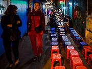 25 DECEMBER 2017 - HANOI, VIETNAM: Street food stand in the Old Quarter of Hanoi.     PHOTO BY JACK KURTZ