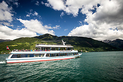 """THEMENBILD - Ausflugsboot MS Schmittenhöhe am Zeller See, aufgenommen am 30. Mai 2014 in Zell am See, Österreich // Zell am See - Kaprun. The excursion ship """"MS Schmittenhoehe"""" on Lake Zell, at the Zeller See, Picture taken on May 5, 2014 in Zell am See, Austria. EXPA Pictures © 2014, PhotoCredit: EXPA/ JFK"""