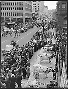 Kick off rally for 1950 Community Chest drive. Cow milking contest. SW 6th at Yamhill. October 9, 1950. (Looking south on 6th, Pioneer courthouse on left, Portland Hotel on right)