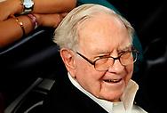 Berkshire Hathaway CEO Warren Buffett waits to play table tennis on the Berkshire Hathaway annual meeting weekend in Omaha, Nebraska, U.S. May 7, 2017. REUTERS/Rick Wilking