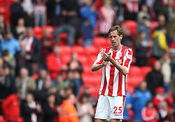 Peter Crouch of Stoke City applauds the fans at the final whistle - Mandatory by-line: Jack Phillips/JMP - 22/04/2018 - FOOTBALL - Bet365 Stadium - Stoke-on-Trent, England - Stoke City v Burnley - English Premier League
