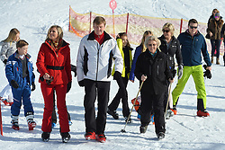 22.02.2016, Lech, AUT, Fototermin mit der Niederländischen Königsfamilie in Lech am Arlberg, im Bild Königin Maxima (links), Hollands König Willem-Alexander (mitte) und Prinzessin Beatrix // Queen Maxima, left, Dutch King Willem-Alexander, center, and Princess Beatrix pose for photographers during a photo session in the Austrian skiing resort of in Lech, on Monday, Feb. 22, 2016. The Dutch Royal family is currently spending their winter vacation in the western Austrian province of Vorarlberg. Lech, Austria on 2016/02/22. EXPA Pictures © 2016, PhotoCredit: EXPA/ Stringer