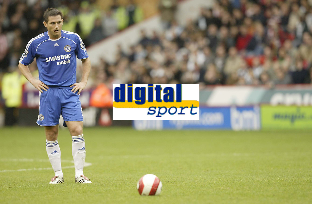 Photo: Aidan Ellis.<br /> Sheffield United v Chelsea. The Barclays Premiership. 28/10/2006.<br /> Chelsea's Frank Lampard eyes up his free kick before scoring from it