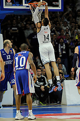 15.04.2015, Palacio de los Deportes stadium, Madrid, ESP, Euroleague Basketball, Real Madrid vs Anadolu Efes Istanbul, Playoffs, im Bild Real Madrid´s Gustavo Ayon // during the Turkish Airlines Euroleague Basketball 1st final match between Real Madrid vand Anadolu Efes Istanbul t the Palacio de los Deportes stadium in Madrid, Spain on 2015/04/15. EXPA Pictures © 2015, PhotoCredit: EXPA/ Alterphotos/ Luis Fernandez<br /> <br /> *****ATTENTION - OUT of ESP, SUI*****