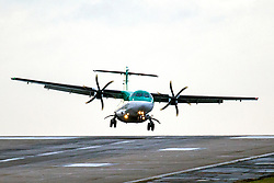 © Licensed to London News Pictures. 04/03/2019. Leeds UK. A Air Lingus aircraft struggles to land this morning at England's highest airport, Leeds Bradford International as storm Freya continues to batter the UK. Photo credit: Andrew McCaren/LNP
