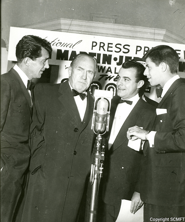 """1953 Dean Martin, William Demarest, George Fenneman and Jerry Lewis at the premiere of """"The Stooge"""" at the Paramount Theatre"""