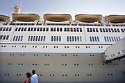 Nederland, Rotterdam, 2-10-2011Het voormalig cruiseschip de SS Rotterdam ligt in de Maashaven als toeristische trekpleister. drijvend hotel.Foto: Flip Franssen/Hollandse Hoogte