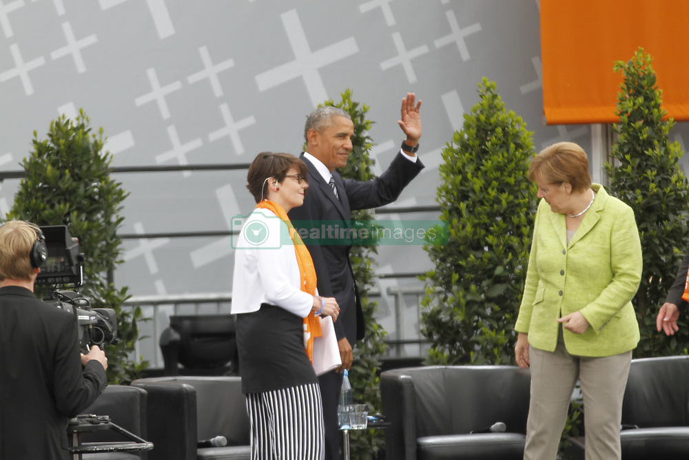 May 25, 2017 - Berlin, Berlin Mitte, Germany - The former US-president Barack Obama and Federal Chancellor Angela Merkel on the stage at the Brandenburg Gate. (Credit Image: © Simone Kuhlmey/Pacific Press via ZUMA Wire)