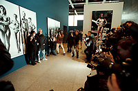 """30 OCT 2000, BERLIN/GERMANY:<br /> June Newton und Helmut Newton, Fotograf, stellen sich fuer ein Foto vor Newtons Bild """"Sie kommen"""", Pressekonferenz zur Eroeffung der Ausstellung """"Helmut Newton: WORK"""", Neue Nationalgalerie<br /> IMAGE: 20001030-01/01-14"""
