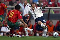 Fotball<br /> Euro 2004<br /> Portugal<br /> 24. juni 2004<br /> Foto: Dppi/Digitalsport<br /> NORWAY ONLY<br /> Kvartfinale<br /> Portugal v England<br /> MICHAEL OWEN (ENG) / MANICHE (POR)