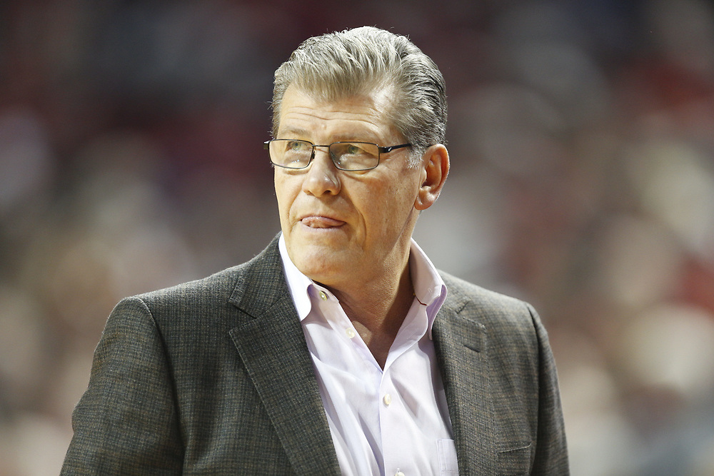 Connecticut Huskies head coach Geno Auriemma during Nebraska's 84-41 loss to No. 1-ranked UConn at Pinnacle Bank Arena in Lincoln, Neb. on Dec. 21, 2016. Photo by Aaron Babcock, Hail Varsity