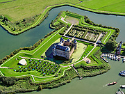 Nederland, Noord-Holland, Gooise Meren, 02-09-2020; Rijksmuseum Het Muiderslot. Middeleeuws kasteel, inclusief een gerestaureerde moestuin en een kruidentuin. Vesting Muiden.<br /> Muiderslot, medieval castle, including a restored kitchen garden and a herb garden.<br /> <br /> luchtfoto (toeslag op standard tarieven);<br /> aerial photo (additional fee required);<br /> copyright foto/photo Siebe Swart