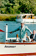 Henley on Thames, England, 1999 Henley Royal Regatta, River Thames, Henley Reach,  [© Peter Spurrier/Intersport Images], Henley Steward, Regatta Chairman Mike SWEENEY, starts a race using the Customary, Red Flag,
