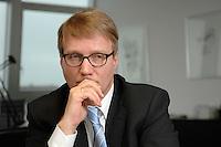 09 JAN 2007, BERLIN/GERMANY:<br /> Ronald Pofalla, CDU Generalsekretaer, waehrend einem Interview, in seinem Buero, CDU Bundesgeschaeftsstelle<br /> IMAGE: 20070109-01-020