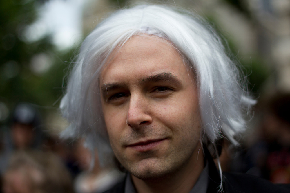 A Julian Assange lookalike is amongst protesters gathered at the State Library of Victoria to speak out against international actions taken against the website Wikileaks and its founder Julian Assange in the aftermath of the release of diplomatic cables via cablegate.
