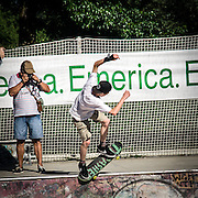 Go skate day 2013: la festa degli Skater nel primo giorno d'estate, iniziata nel piazzale della Stazione Centrale di MIlano e terminata con acrobatiche evoluzioni a tarda sera nello skate Park del Parco Lambro, dopo un tour per le vie della città.