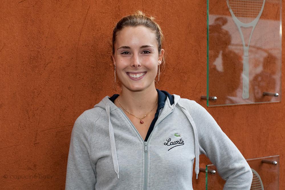 Roland Garros. Paris, France. 26 Mai 2010..La joueuse francaise Alize Cornet..Roland Garros. Paris, France. May 26th 2010..French tennis player Alize Cornet.