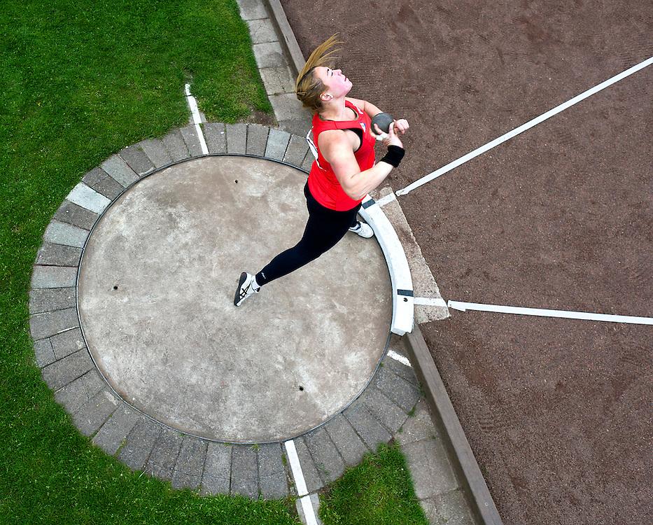 Nederland, Lisse, 05-05-2012.<br /> Atletiek, Ter Specke Bokaal.<br /> Kogelstoten, Vrouwen.<br /> Melissa Boekelman.<br /> Foto : Klaas Jan van der Weij