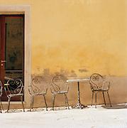 Chateauneuf-du-Pape, Tuscany, Italy