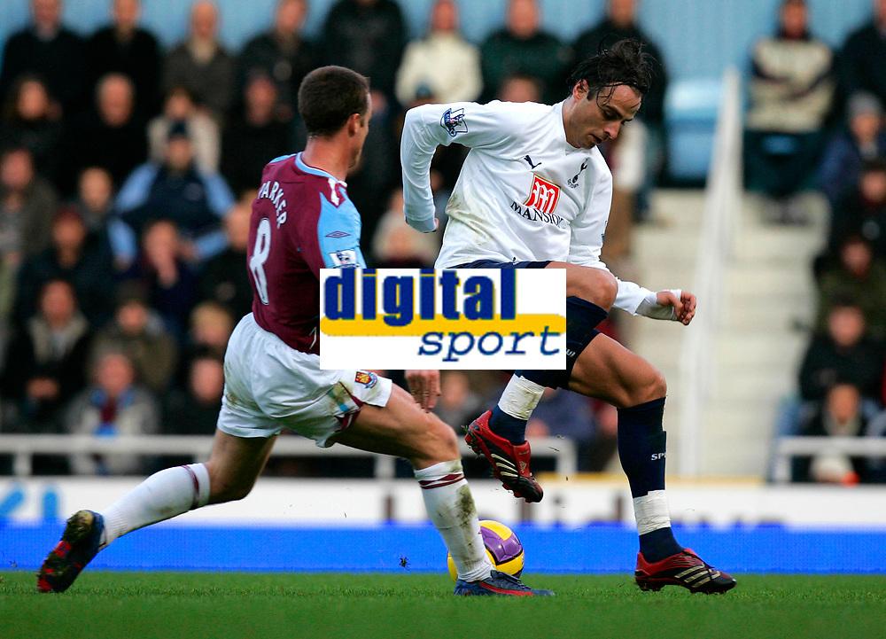 Photo: Tom Dulat/Sportsbeat Images.<br /> <br /> West Ham United v Tottenham Hotspur. The FA Barclays Premiership. 25/11/2007.<br /> <br /> Scott Parker of West Ham United and Dimitar Berbatov of Tottenham Hotspur with the ball.