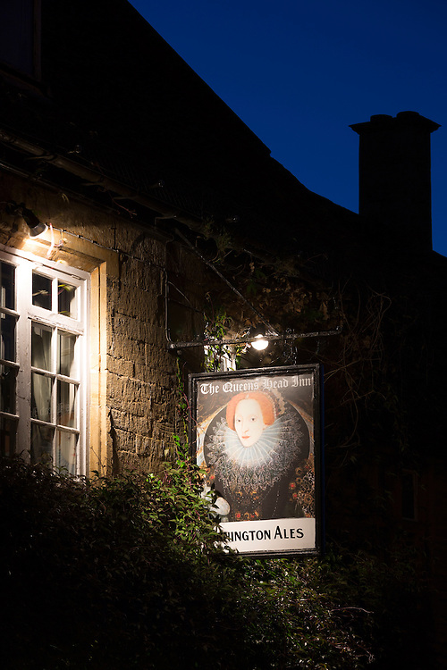 The Queen's Head Inn public house and bar, Donnnington Ales, at famous popular tourist town Stow-on-the-Wold in the Cotswolds, UK