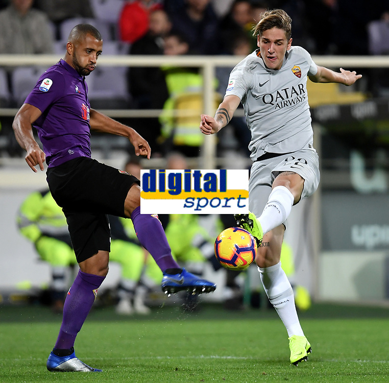 Vitor Hugo of Fiorentina and Nicolo Zaniolo of AS Roma compete for the ball during the Serie A 2018/2019 football match between ACF Fiorentina and AS Roma at stadio Artemio Franchi, Firenze, November 03, 2018 <br />  Foto Andrea Staccioli / Insidefoto
