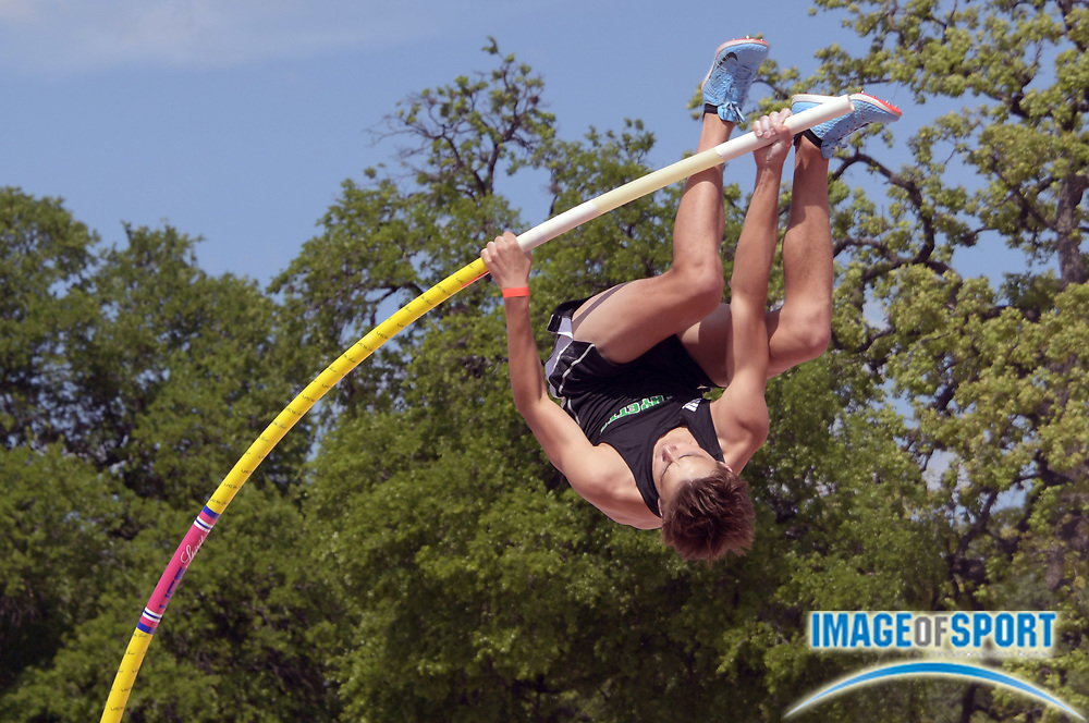 Mar 31, 2018; Austin, TX, USA; Armand Duplantis aka Mondo Duplantis of Lafayette High (La.) places third in the pole vault in a world junior record of 19-5 (5.92m)  during the 91st Clyde Littlefield Texas Relays at Mike A. Myers Stadium.
