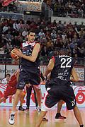 DESCRIZIONE : Roma Lega A 2009-10 Basket Lottomatica Virtus Roma Angelico Biella<br /> GIOCATORE : Matteo Soragna<br /> SQUADRA : Angelico Biella<br /> EVENTO : Campionato Lega A 2009-2010<br /> GARA : Lottomatica Virtus Roma Angelico Biella<br /> DATA : 08/11/2009<br /> CATEGORIA : Rimbalzo<br /> SPORT : Pallacanestro<br /> AUTORE : Agenzia Ciamillo-Castoria/G.Vannicelli<br /> Galleria : Lega Basket A 2009-2010 <br /> Fotonotizia : Roma Campionato Italiano Lega A 2009-2010 Lottomatica Virtus Roma Angelico Biella<br /> Predefinita :