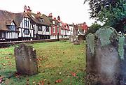 Engeland, Rye, 15-9-1997 Historisch stadje in Zuid Engeland, Kent. Grafzerken op een begraafplaats midden in het dorp. Foto: Flip Franssen