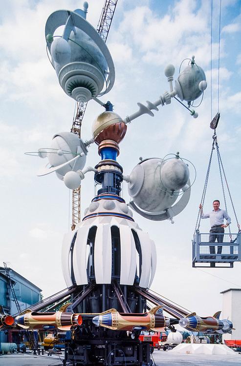 """10/11 JUL 1991 - Altavilla Vicentina (VI) - """"Antonio Zamperla"""", impianti per il divertimento. Alberto Zamperla con la giostra coommissionata dalla Disney per Disneyland."""