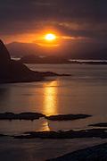 Sunset over Hidsneset, Flåvær and Herøyfjord | Solnedgang over Hidsneset, Flåvær og Herøyfjord.
