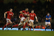Taulupe Faletau of Wales © makes a break. Wales v Italy , NatWest 6 nations 2018 championship match at the Principality Stadium in Cardiff , South Wales on Sunday 11th March 2018. pic by Andrew Orchard, Andrew Orchard sports photography