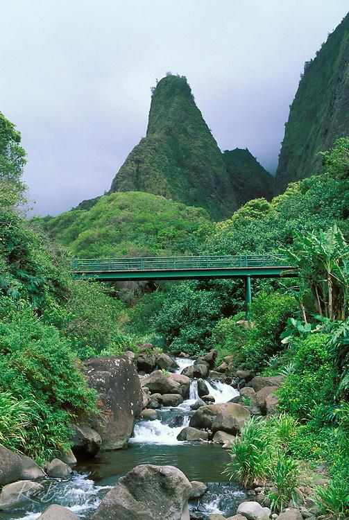 Iao Needle and bridge over the Iao Stream, Iao Valley, Maui, Hawaii