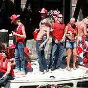 NLD/Amsterdam/20070804 - Gaypride Canalparade 2007, Helemaal Jottum boot